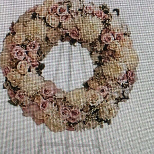 wreath of white and pink flowers