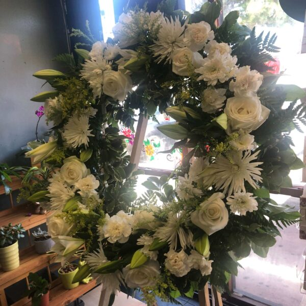 wreath of white flowers and leaves